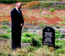 Buddy Elias at the Grave of Anne Frank & Margot Frank