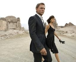 Daniel Craig & Olga Kurylenko in Quantum of Solace