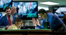 Denzel Washington & John Turtorro in The Taking of Pelham 1 2 3