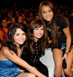 Demi Lovato with Fellow Disney Stars Selena Gomez & Miley Cyrus