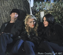 Bob Clendenin, Busy Philipps & Courteney Cox in Cougar Town