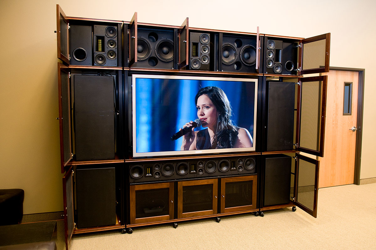 HDSound.us Summit System Wall Unit Open, Web Resolution