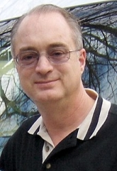 Kevin Wilson Receives Award from Locksmith Association