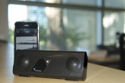 Soundmatters Introduces foxLv2 Bluetooth: the Tiny Portable Speaker with Wireless Good Enough for an Audio Purist