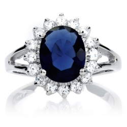 Kate Middleton's Engagement Ring Inspires New Fan Site from Emitations.com