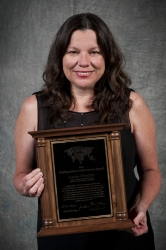 Laura Ortoleva Receives Distinguished Achievement Award for RE/MAX Branding Strategy in Northern Illinois Real Estate Market