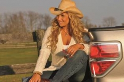 """Country Artist Lisa Matassa to Embark on West Coast Radio Tour for Her Debut Country EP, """"Me Time"""""""