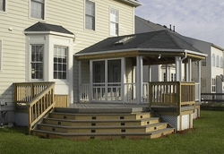Housing Slump Boosts Screened Porches' Popularity