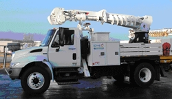 ComEd Takes Delivery of New Advanced Odyne Systems  Plug-In Hybrid Digger Derrick