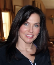 Meet Long Island's Teen Health Coach, Linda Mandelbaum