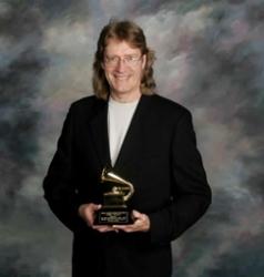 Grammy Winner Doug Smith in Concert at Cellarz93