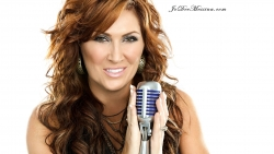 Jo Dee Messina Makes Music with Twitter