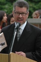 """Civic Leader Robert RenteriaChallengesSchools andPoliticiansto Revisit """"Best Practices"""""""