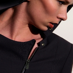 dE ROSAIRO's Contemporary Womenswear Debut Collection is a Hit with Retailers