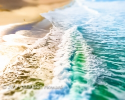 Los Angeles Fine Art Photographer's Vibrant LA and OC Beach Images Scattered Among Hollywood's Stars and on Display at GBK's Golden Globes Celebrity Gift Lounge