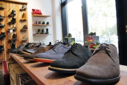 Europe's First Chain of Vegan Shoe Stores Opens EU-Wide Online Shop