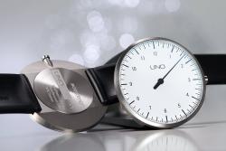 Botta-Design UNO Watch - the One-Hand Original Now in Titanium
