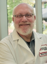 Richard E. Greenberg, MD, FACS Recognized as a Professional of the Year by Strathmore's Who's Who Worldwide Publication