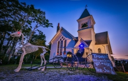 Tromeo's Halloween Cemetery Scare! Will Keenan Premieres Haunted Event at St.Babs on the Jersey Cape feat. Zombie Crawl, Zombie Prom, & Buried Alive Experience 9/29-10/31