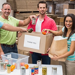 Feeding the Island Food Drive: Makers Nutrition Gives Back to the Community