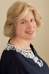 Laurie A. Stearn Honored as a Professional of the Year by Strathmore's Who's Who Worldwide Publication