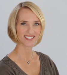 Dr. Erika Horowitz Honored as a VIP for 2018 by P.O.W.E.R. (Professional Organization of Women of Excellence Recognized)