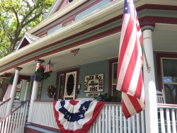 Colorado Springs' Award-Winning Holden House 1902 Bed & Breakfast Inn Offers Special Discounts to Say