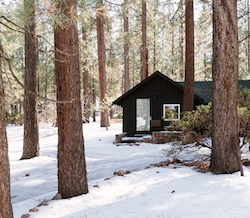These Black Modern Cabins from sheet/rockLA Are Redefining the Big Bear Experience