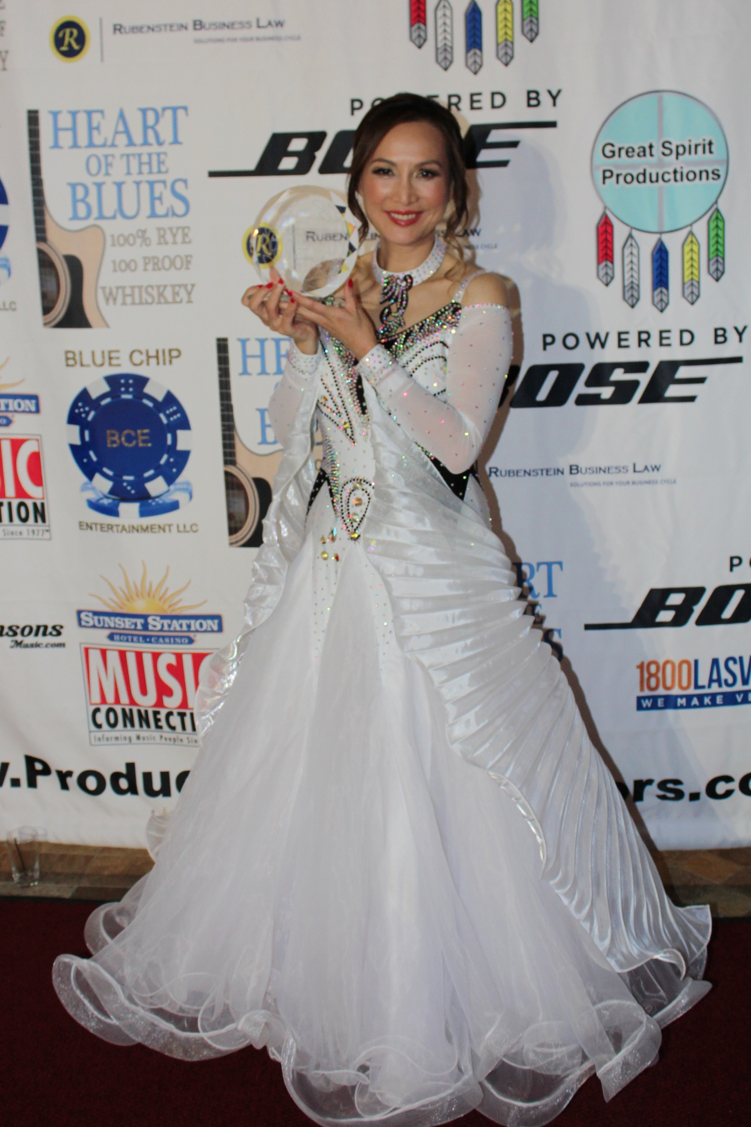 Lily Lisa, Philanthropist Receives The Angel on Earth Award Presented in Las Vegas