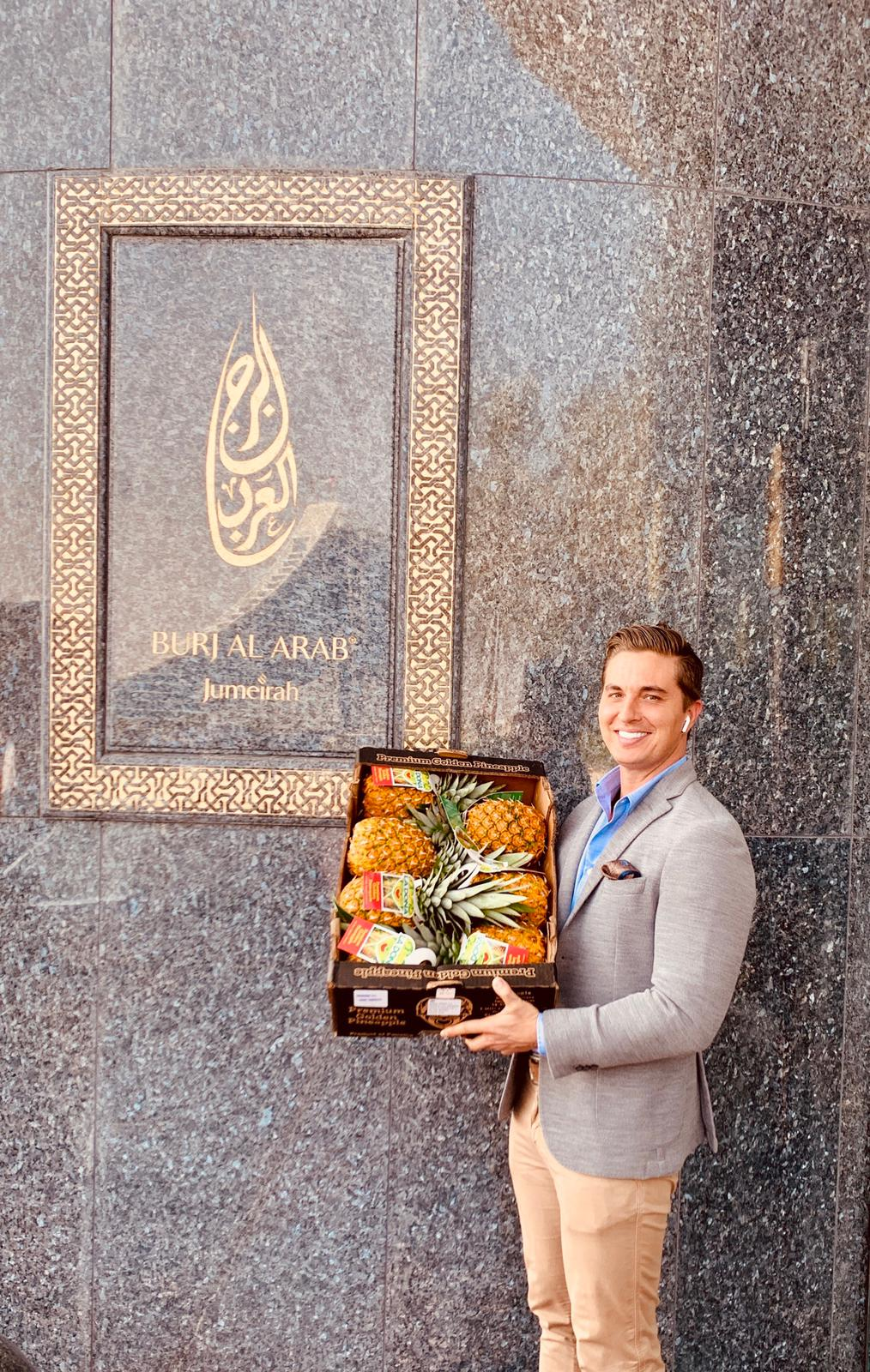La Dona Fruit Ships First-Ever Air-Freighted Pineapple from Panama to Dubai
