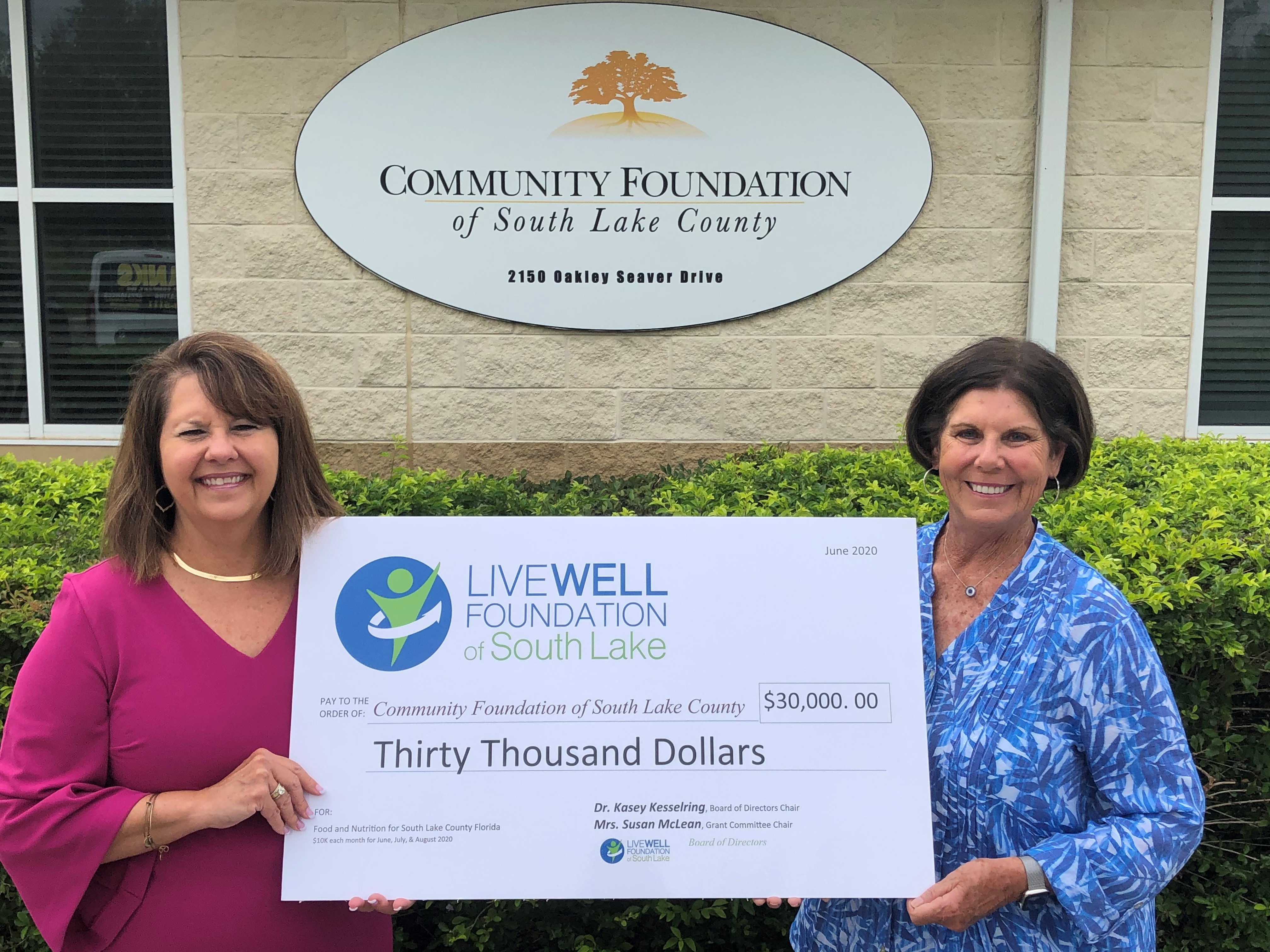 Live Well Foundation Donates $30,000 to Community Foundation of South Lake to Feed Those in Need
