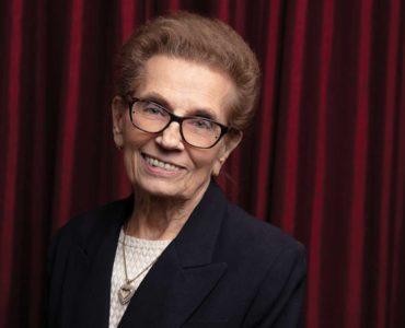 Marjorie A. Graf, Graf & Sons, Inc. récompensée en tant que professionnelle de l'année pendant cinq années consécutives par Who's Who de Strathmore dans le monde