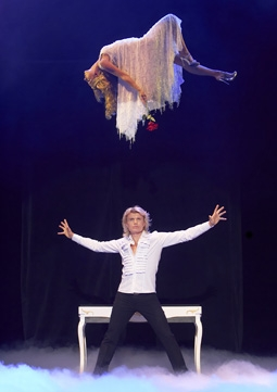 "Hans Klok Levitating Pamela Anderson in ""The Beauty of Magic"""