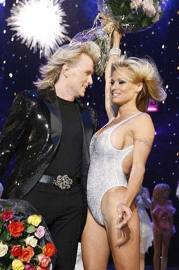 "Hans Klok & Pamela Anderson in ""The Beauty of Magic"""
