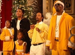 "Gabrielle Union, Katt Williams, & Charlie Murphy in ""The Perfect Holiday"""
