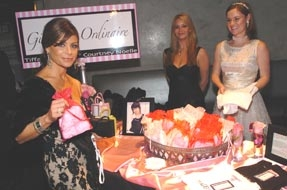 Paula Abdul at the Gift Gallery of the  6th Annual Children Uniting Nations Oscar Party 2005