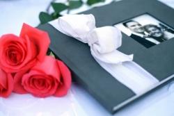 Did Tom Cruise & Katie Holmes, Ben Afleck & Jennifer Garner, or Brad Pitt & Angelina Jolie Make a Wedding Memory Book From iMemoryBook.com?
