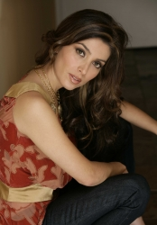 Mezhgan Make-up Artist for American Idol Tells Why She Recommends SensiClear Acne Treatment