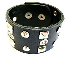 Fashion bracelet with multi rounded and square shape
