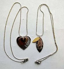 Fashion chain necklace with multi heart love or olive shape pendant decor at center