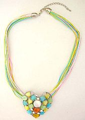 In expersive fashion jewelry wholesale Multi color strings with heart shape cat eyes embedded heart