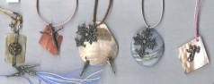 Antique seashell jewelry gift supply