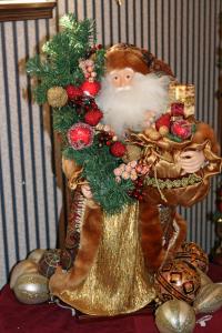 Santa at Christmas in Maxwell