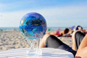 Sea Life MOVA® Globe Photo 5