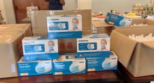 Face masks and handsanitizer