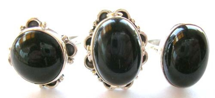 Sterling silver ring with assorted design genuine onyx stone inlaid at center
