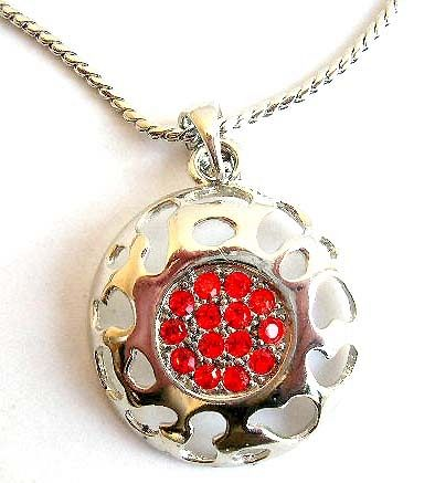 Fashion necklace in twisted chain design with carved-out pattern decor multi red cz