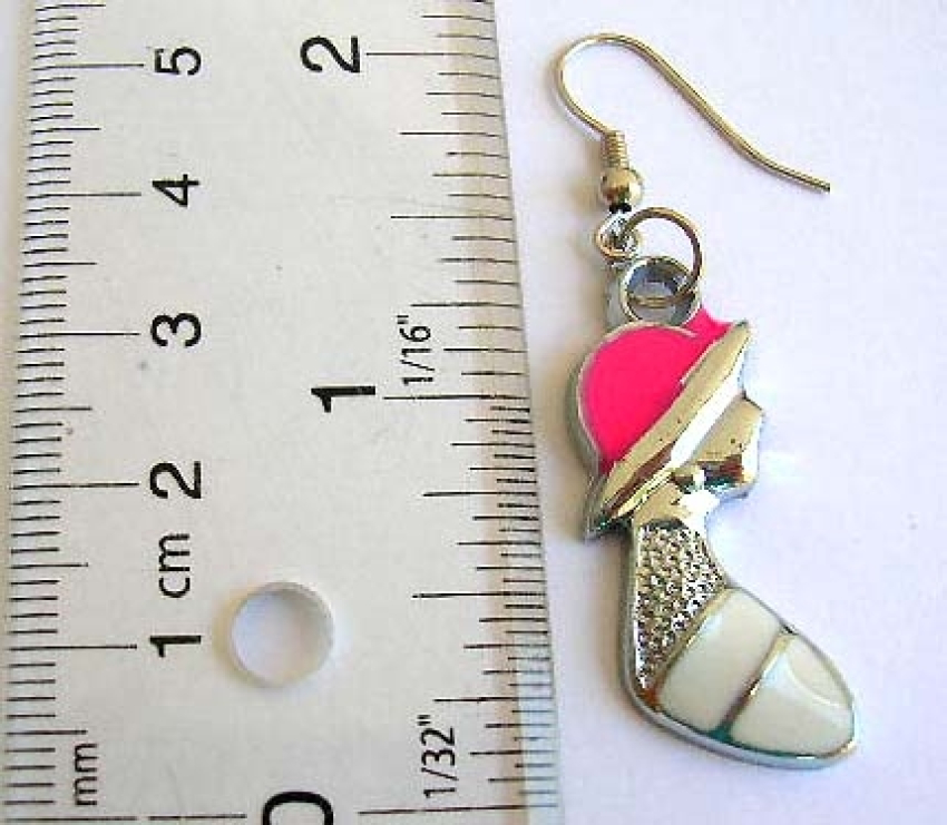 Online wholesaler supply Fashion earring enamel color design with pretty lady pattern, fish hook bac