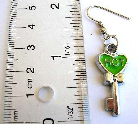 Art nouveau jewellery wholesale Fashion fish hook earring with heart and key pattern design and enam