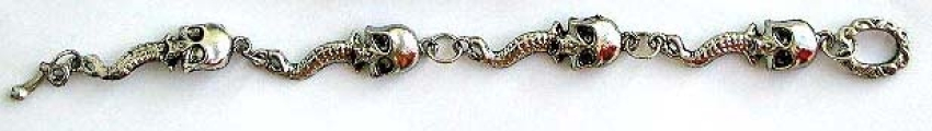 Fashion bracelet with skull spike pattern and toggle clasp